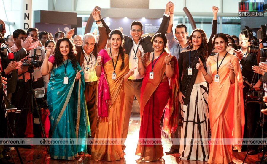 Mission Mangal Movie Stills Starring Akshay Kumar, Taapsee, Sonakshi Sinha