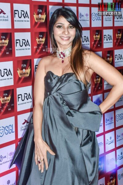 Tanisha Mukerji At The 15th Annual Fura Retail Jeweller India Awards 2019