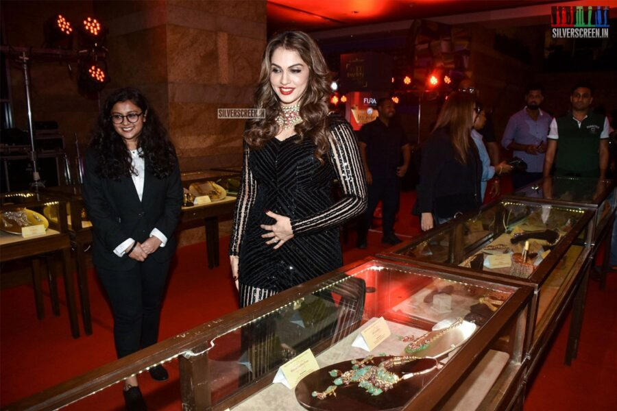 Isha Koppikar At The 15th Annual Fura Retail Jeweller India Awards 2019