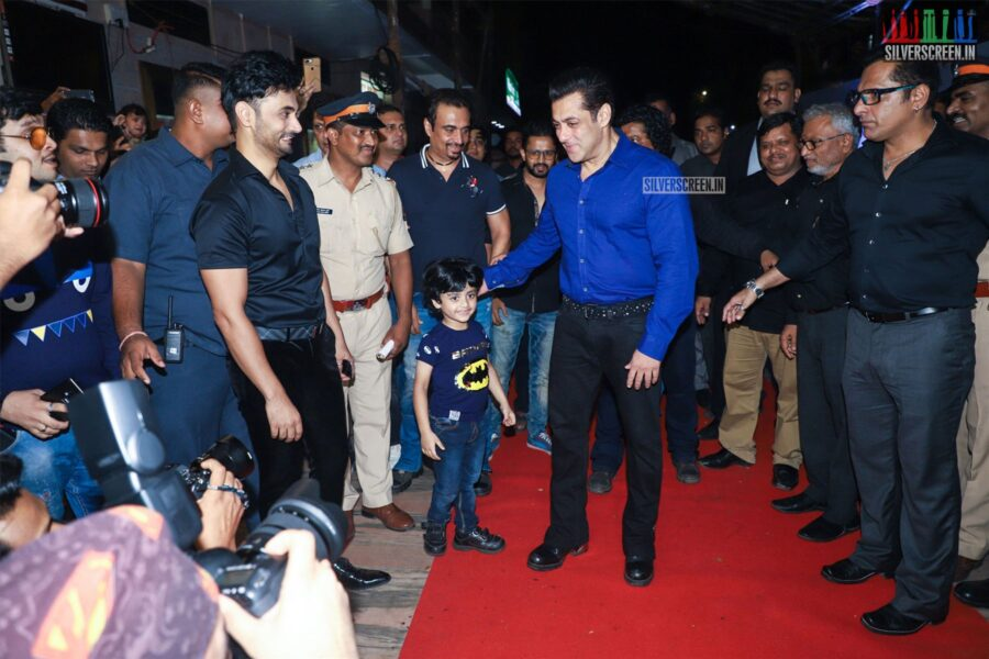 Salman Khan at the 'Hum Aapke Hain Kaun' Premiere