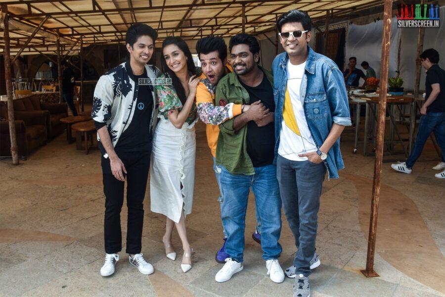 Shraddha Kapoor, Sushant Singh Rajput Promote Chhichhore
