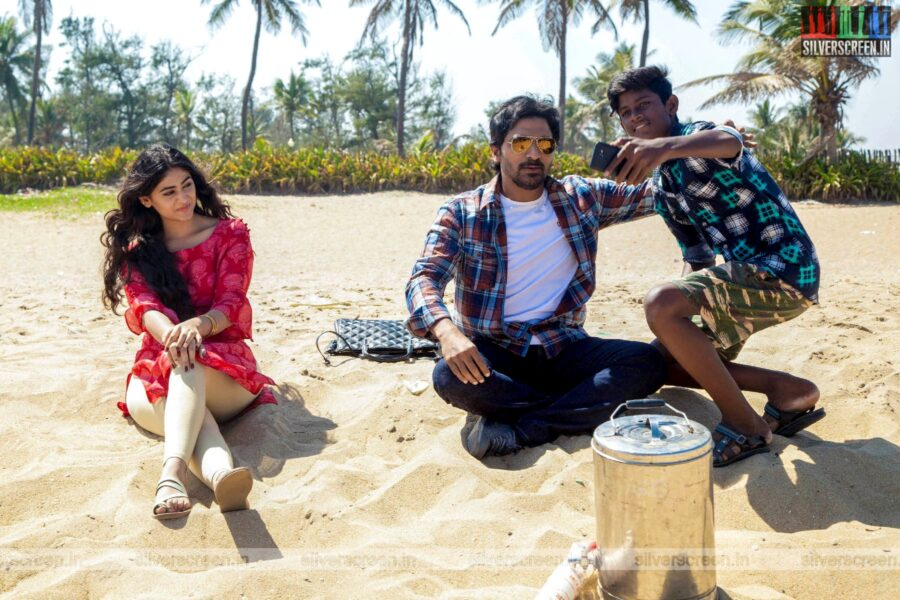 Sixer Movie Stills Starring Vaibhav, Palak Lalwani
