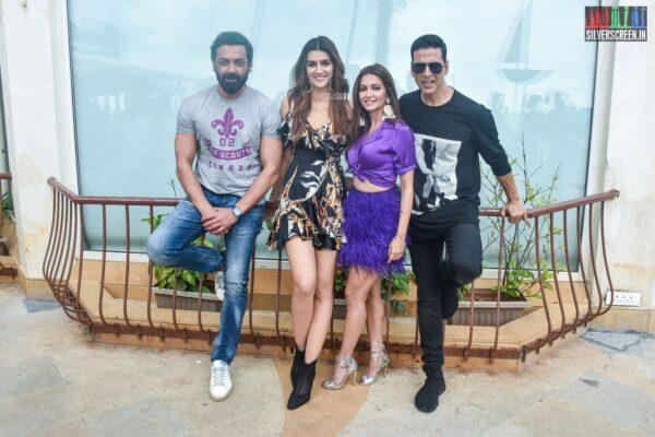 Akshay Kumar, Kriti Sanon, Kriti Kharbanda Promote 'Housefull 4'