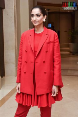 Sonam Kapoor Promotes 'The Zoya Factor'