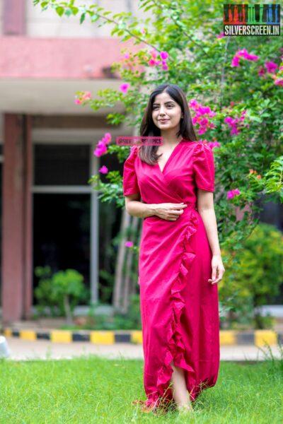 Kashmira Pardeshi Promotes 'Sivappu Manjal Pachchai'
