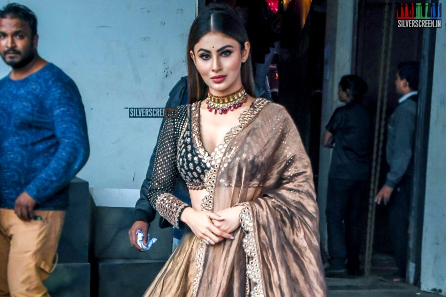Mouni Roy Promotes 'Made In China' On The Sets Of Dance India Dance