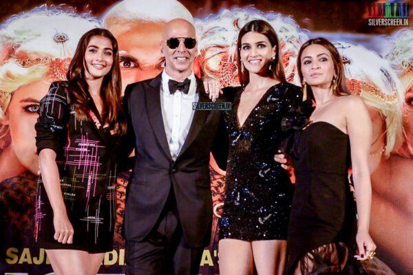 Akshay Kumar, Pooja Hegde, Kriti Sanon Promote 'Housefull 4' In Hyderabad