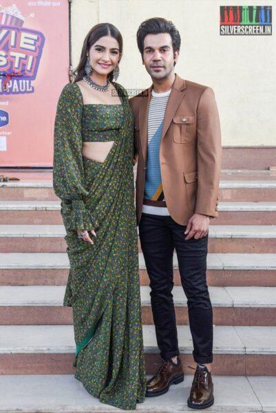 Sonam Kapoor, Rajkummar Rao On The Sets Of 'Movie Masti' With Maniesh Paul Show