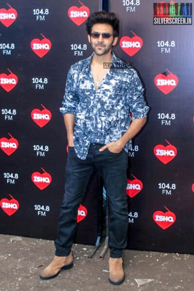 Kartik Aaryan Promotes 'What Women Wants' On The Sets Of Ishq 104.8 FM