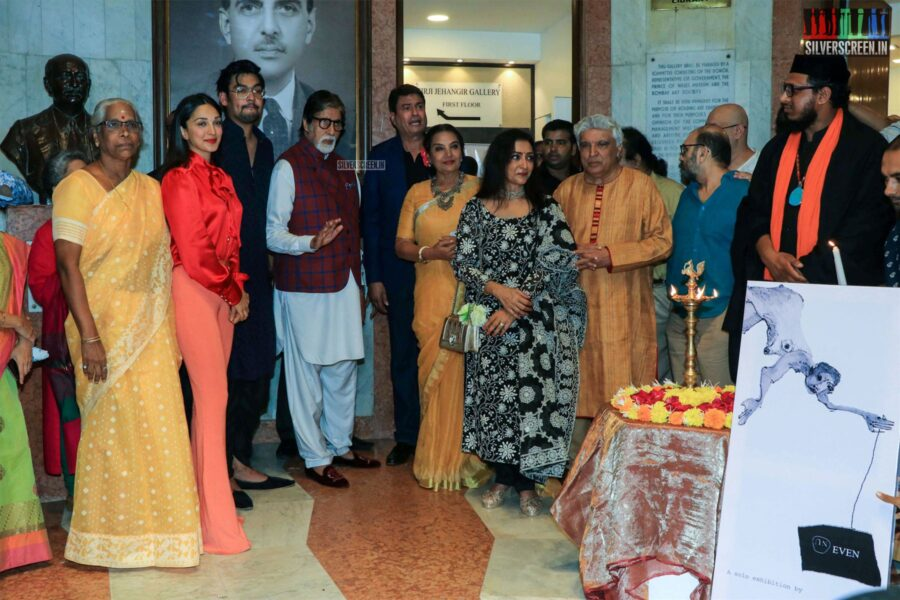Kiara Advani, Amitabh Bachchan At Aditya Singh's Exhibition