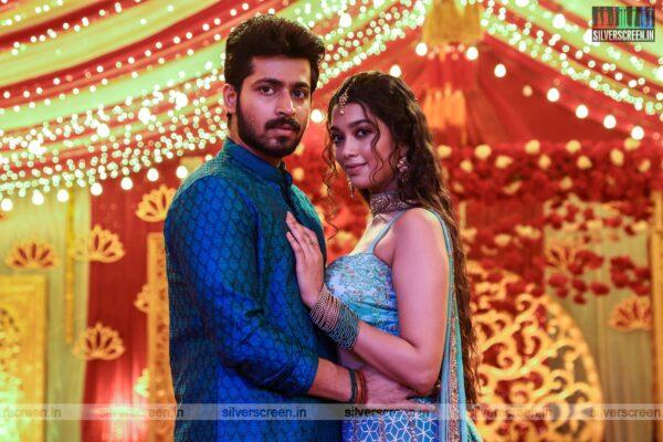 Dhanusu Raasi Neyargalae Movie Stills Starring Harish Kalyan, Digangana Suryavanshi