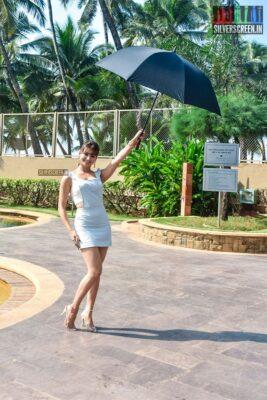 Urvashi Rautela Promotes 'Pagalpanti'