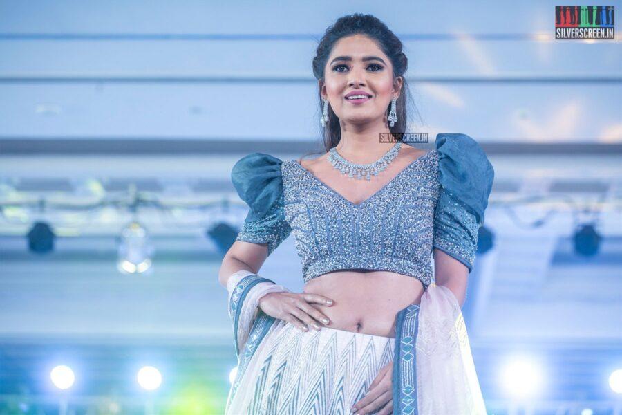 Vani Bhojan Walks The Ramp At 'Prawolion Fashion Week'