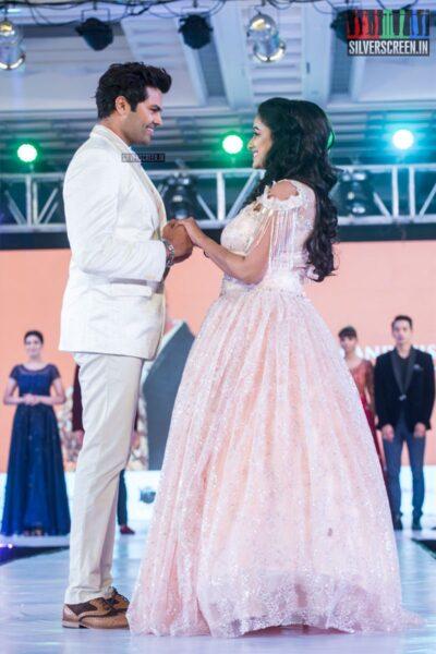 Ganesh Venkatraman Walks The Ramp At 'Prawolion Fashion Week'