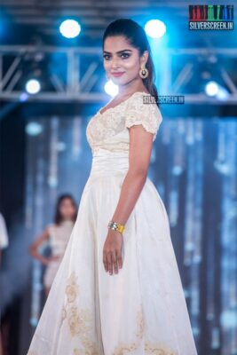 Anagha Walks The Ramp At 'Prawolion Fashion Week'