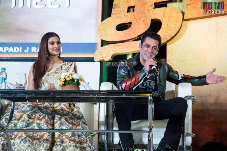 Salman Khan, Saiee M Manjrekar At The 'Dabangg 3' Press Meet