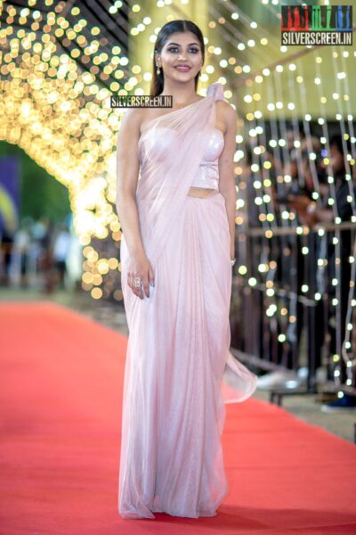 Yashika Aannand at The 'Zee Cine Awards'