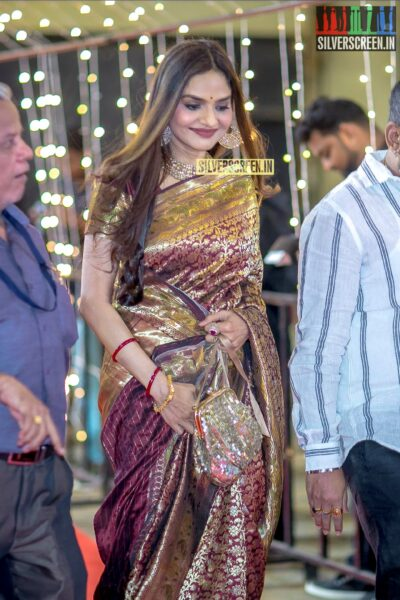Madhoo at The 'Zee Cine Awards'