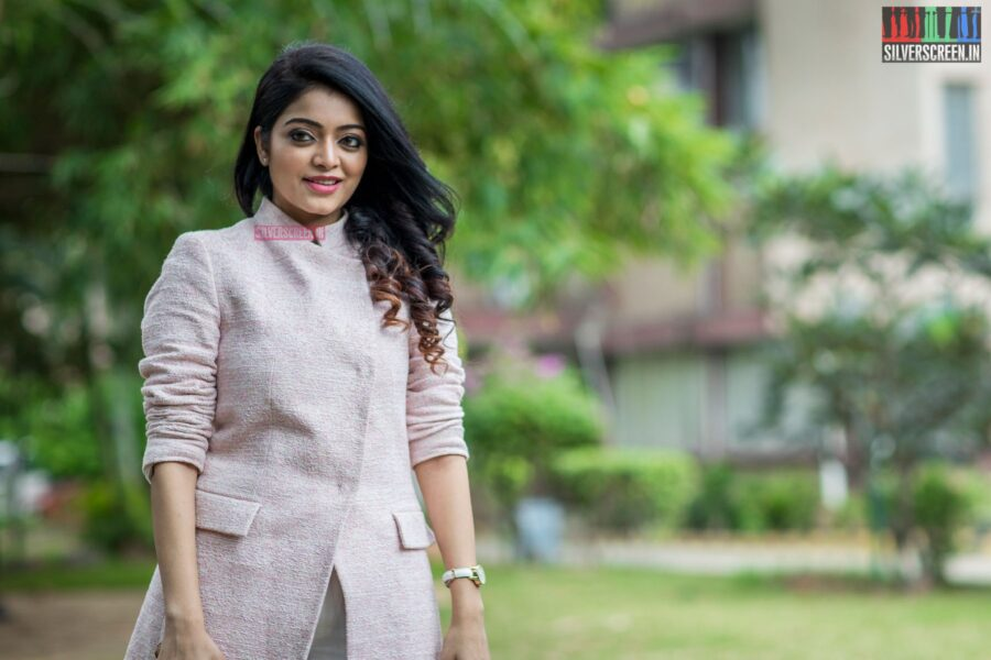 Janani Iyer At The Balloon Press Meet