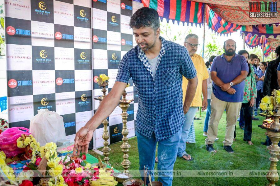 Madhan Karky At The 'Hey Sinamika' Movie Launch