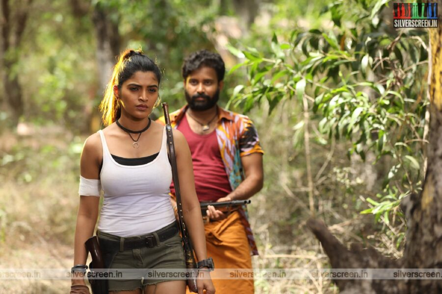 Pallu Padama Paathuka Movie Stills Starring Dinesh