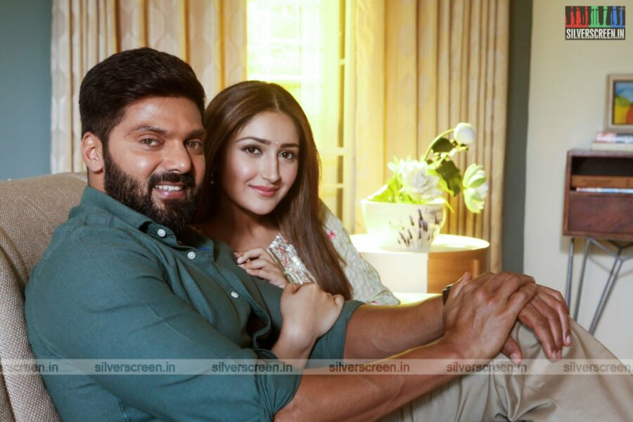 Teddy Movie Stills Starring Arya, Sayyeshaa