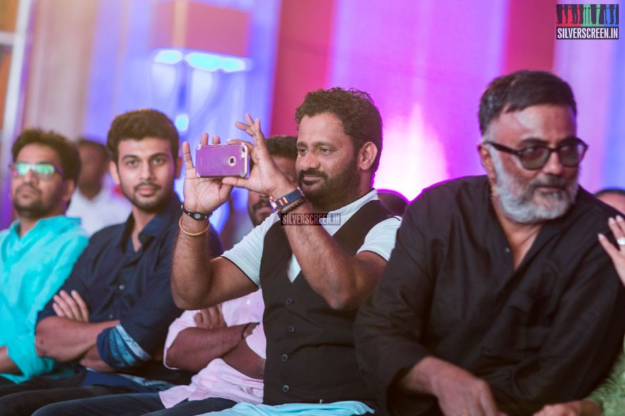 Resul Pookutty was quite engrossed with taking photos and videos. We hope our photographer obliged with a smile.