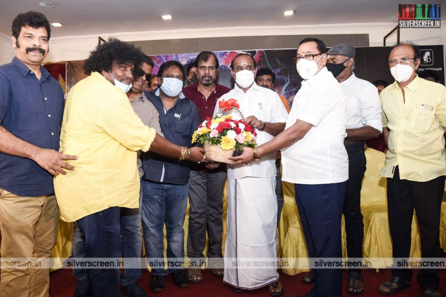 Yogi Babu at Pei Mama Audio Launch