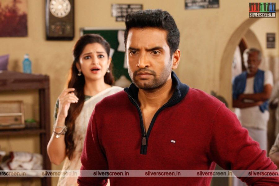 Biskoth Movie Stills Starring N Santhanam