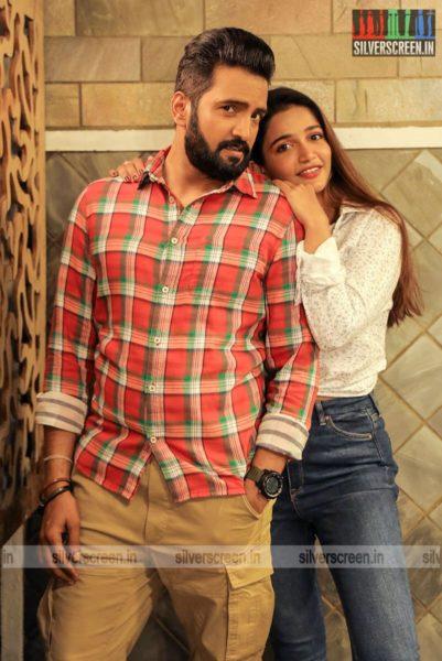 Parris Jeyaraj Movie Stills Starring N Santhanam, Anaika Soti
