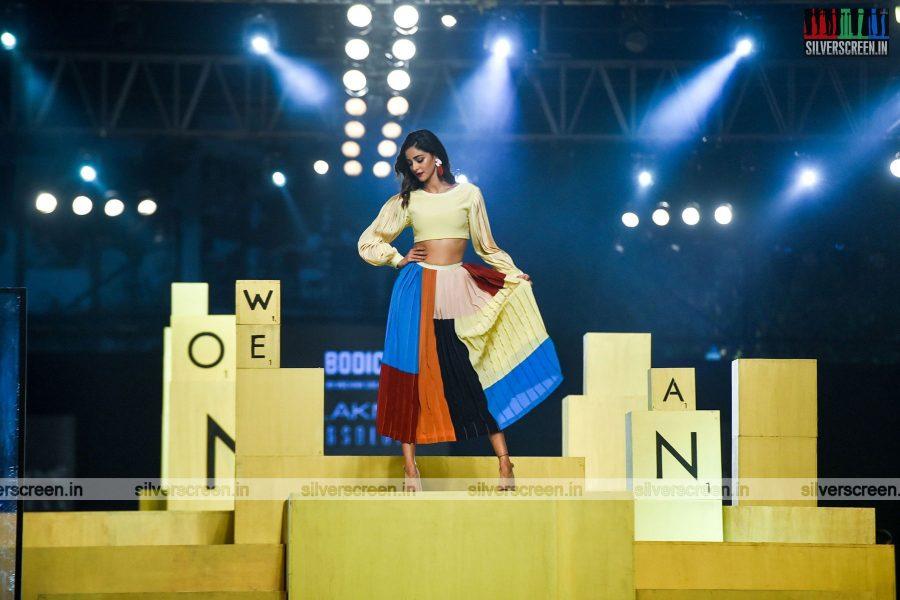 Ananya Panday Walks The Ramp At The Lakme Fashion Week 2021