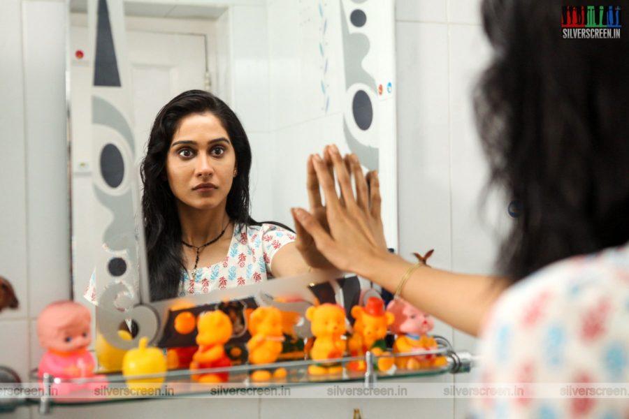 Nenjam Marappathillai Movie Stills Starring Regina Cassandra