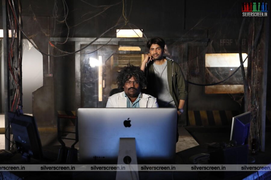 Dikkiloona Movie Stills Starring N Santhanam, Yogi Babu
