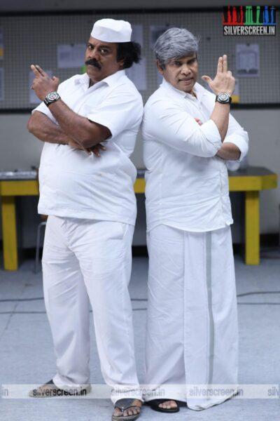 Dikkiloona Movie Stills Starring Munishkanth, Anandhraj