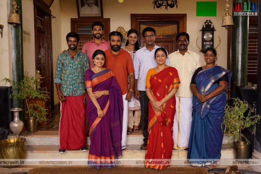 Udanpirappe Movie Stills Starring M Sasikumar, Jyothika