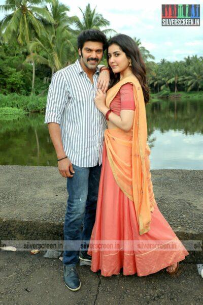 Aranmanai 3 Movie Stills Starring Arya, Raashi Khanna