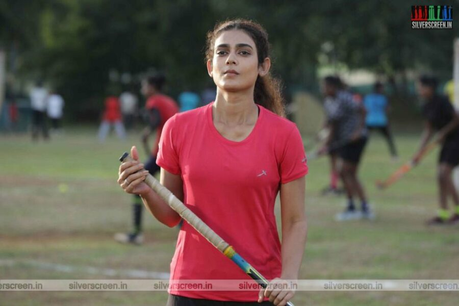 Clap Movie Stills Starring Aakanksha Singh