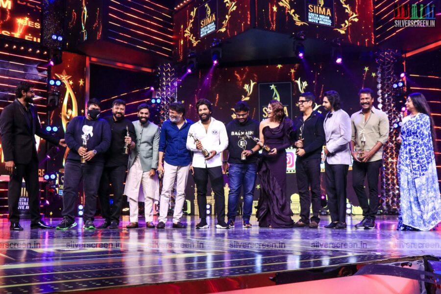 Allu Arjun, Pooja Hegde At The SIIMA Awards 2021