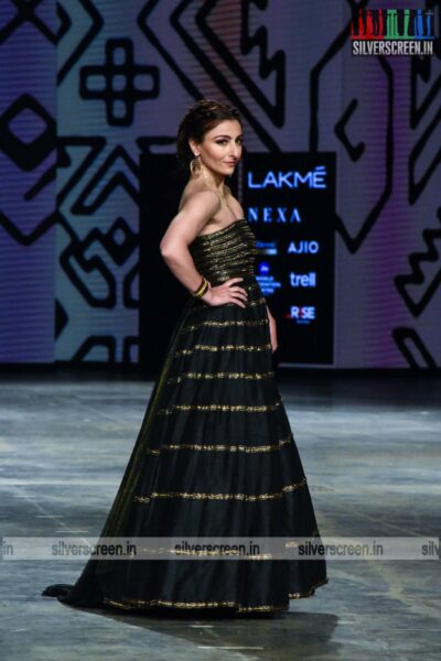 Soha Ali Khan walks the ramp for Megha Jai Madaan at the Lakme Fashion Week 2021